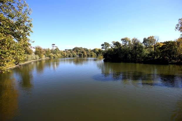 Cine este bărbatul care s-a sinucis în lacul Herăstrău. Ocupa o funcție importantă în Parlament