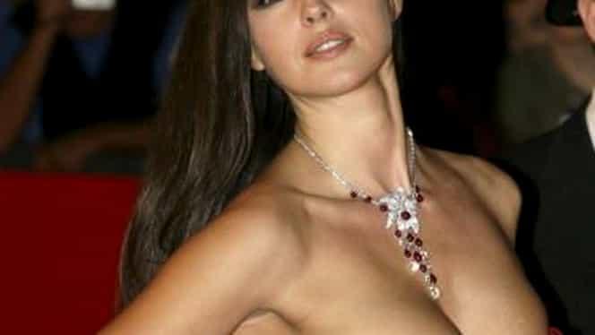 Femeia care l-a sedus pe James Bond, la 51 de ani! GALERIE FOTO