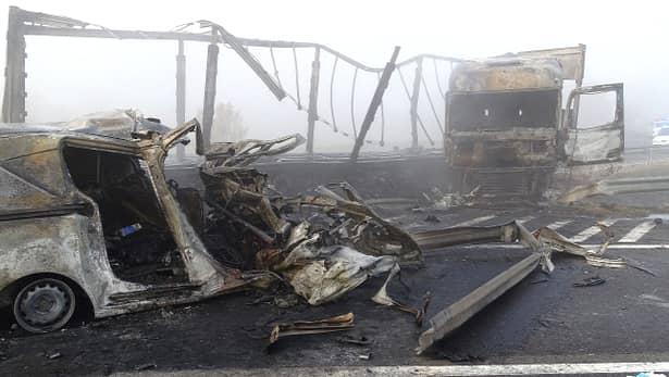 Accident cu 7 morți pe autostrada M5 din Ungaria. Una din mașini, cu numere românești. O familie de români ar fi printre victime – Update