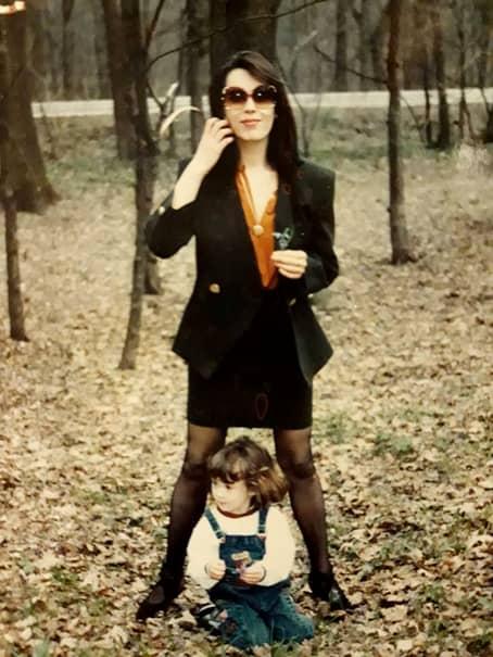 O mai știți pe Mariana Moculescu? Iată cum a ajuns să arate acum, după ce a fugit din țară, în urma scandalurilor cu Cristi Marin