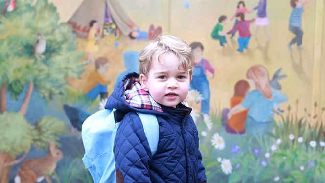 Prinţul George mănâncă la cantina şcolii ca la un restaurant de lux