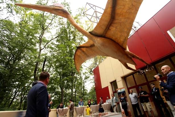 Dinozauri în mărime naturală la Dino parc Râșnov