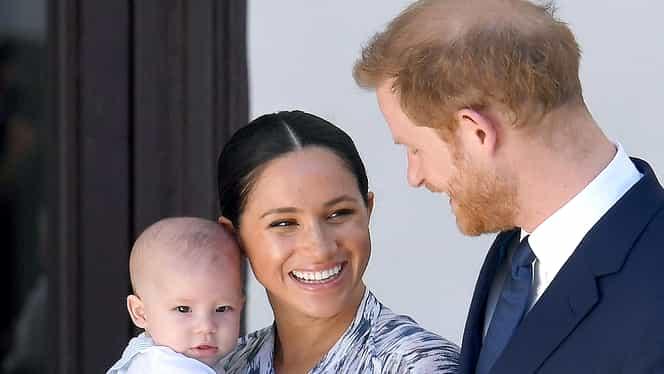 Prințul Harry și Meghan Markle nu vor mai folosi titlurile regale după ce au renunțat să o mai reprezinte pe Regina Elisabeta în lume. Noul lor nume de familie