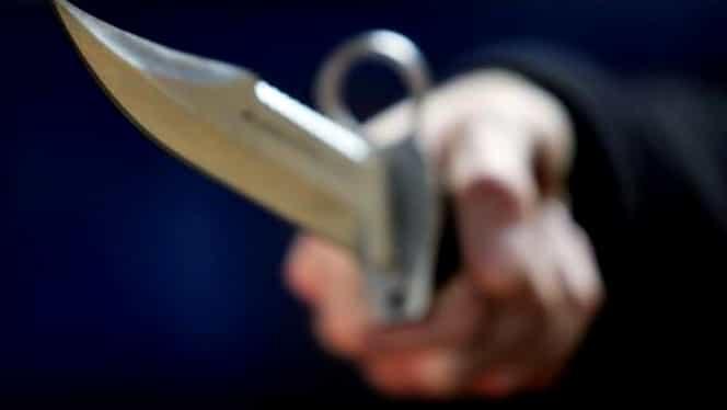 Crimă înfiorătoare într-o piață din Târgu Jiu! Bărbat înjunghiat mortal