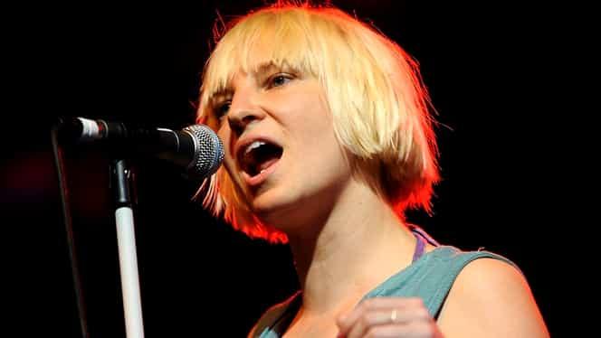 Cântăreața Sia suferă de o boală foarte rară. Artista a dezvăluit că are sindromul Ehlers-Danlos