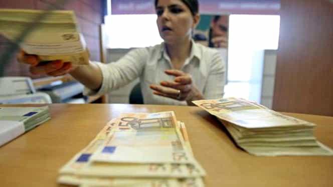 Leul s-ar putea deprecia în următoarele săptămâni în raport cu moneda europeană, potrivit analiştilor economici
