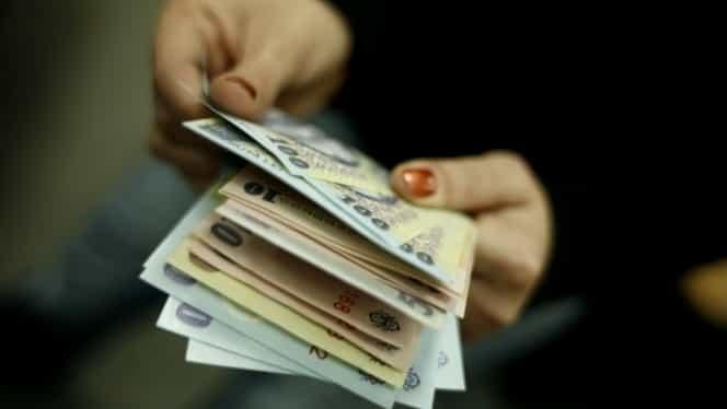 Când vor primi românii al 13-lea salariu? Guvernul are în plan să-l ofere și pe-al  14-lea