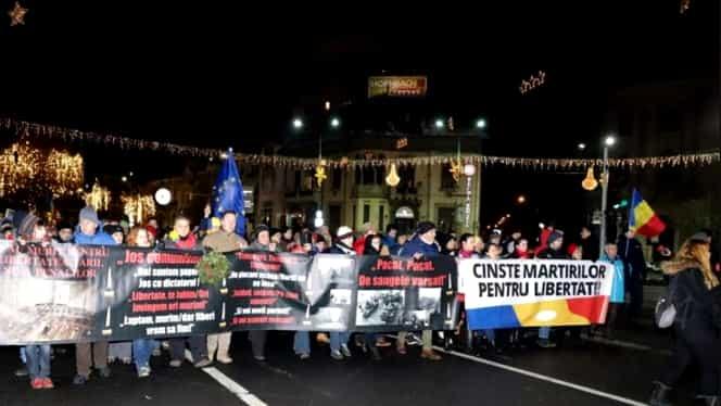 Proteste în Piața Victoriei. Conflict între jandarmi și participanți pe Magheru