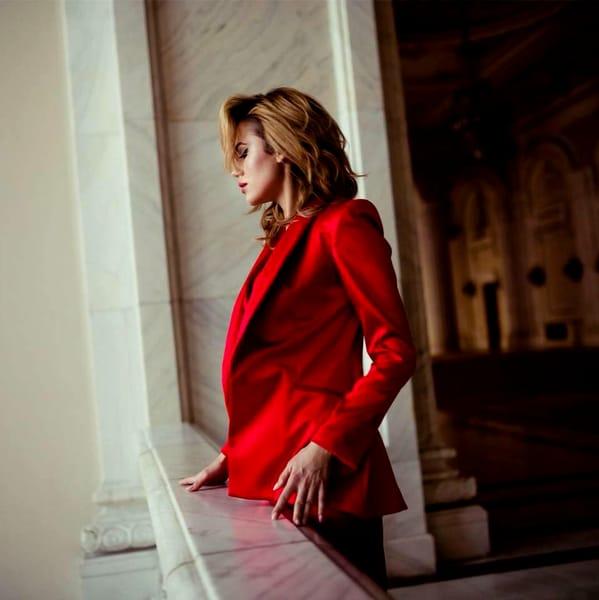 """Michaela Prosan, cea mai """"păcătoasă"""" actriță din """"Fructul Oprit"""". Cele mai fierbinți imagini cu ea"""