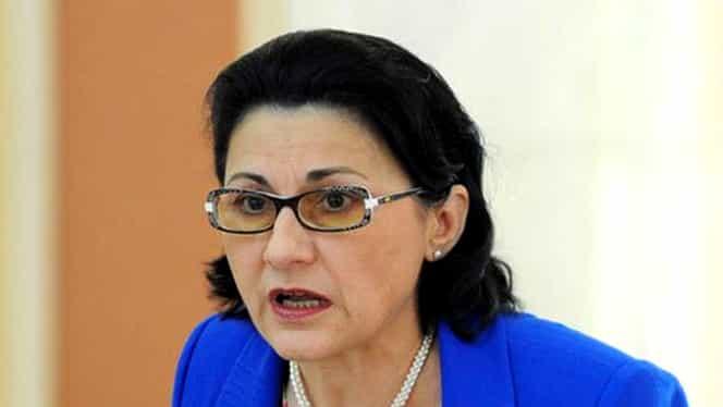 Ecaterina Andronescu a reacționat după protestul de la Simularea Evaluării Naționale! Ce spune ministrul Educației