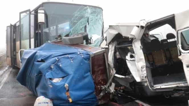 Accident grav în Ungaria. Trei români au murit, iar alţi cinci au fost răniţi