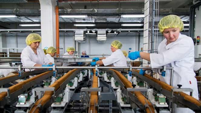 Efectele negative ale salariului minim: fabricile au început să se închidă, iar oamenii rămân fără locuri de muncă
