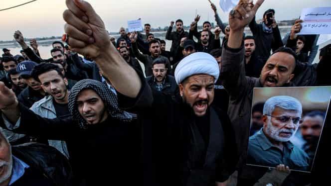 """Mii de irakieni au strigat """"Moarte Americii"""", la ceremoniile dedicate generalului Soleimani Video. SUA, un nou mesaj pentru Iran"""