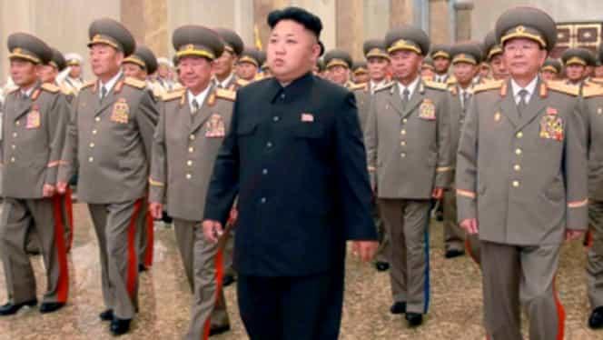 """Coreea de Nord anunţă că e """"gata de război"""" după ce SUA a mutat mai multe nave de luptă în apropierea peninsulei Coreene"""