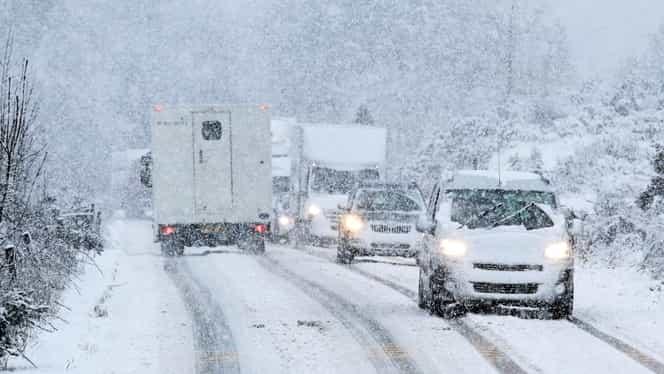 Alertă cod roșu de la ANM! Viscol puternic, ninsoare abundentă și intensificări de vânt. Traficul feroviar este afectat – UPDATE