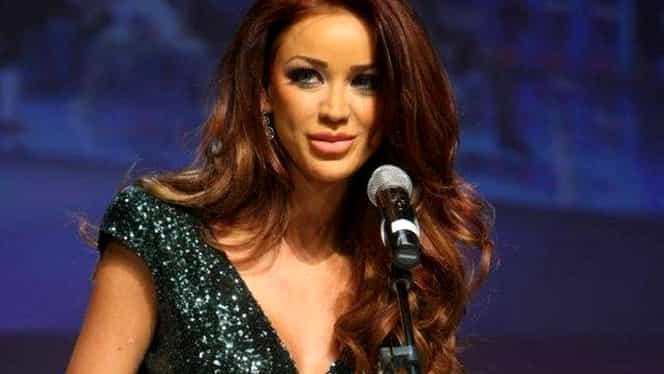 Bianca Drăgușanu a vândut…tractoare! Blonda a spus și cum a făcut primii bani