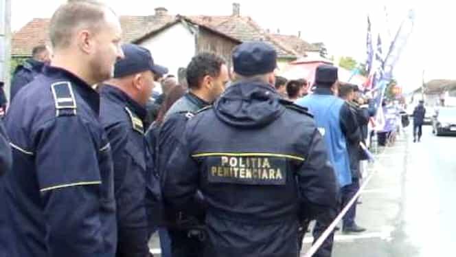 Polițiștii din România amenință cu proteste, dacă vor fi înghețate salariile din 2019