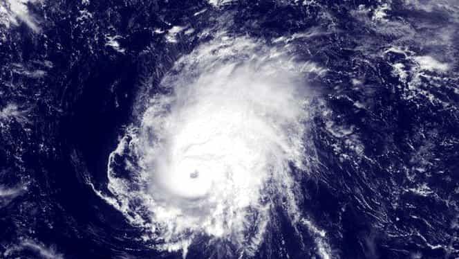 Irlanda se pregăteşte să ţină piept uraganului Ophelia! Şcolile au fost închise! Este cod roşu! GALERIE FOTO şi VIDEO