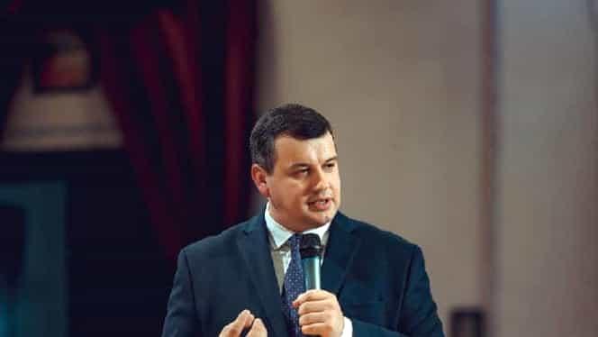 """Eugen Tomac, reacție virulentă la adresa celor care nu respectă recomandările: """"Acum trebuie să scoatem Armata şi Poliţia pe stradă pentru a-i opri pe inconştienţi"""""""