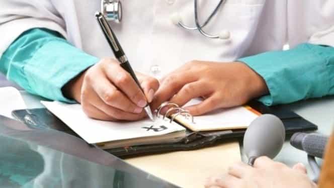 Medicii de familie și cei din ambulatoriu vor primi echipamente de protecție și dezinfectanți. Anunțul premierului