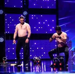 Andra și Mihai Petre nu s-au putut uita la acest număr: frații din Azerbaijan la Românii au Talent