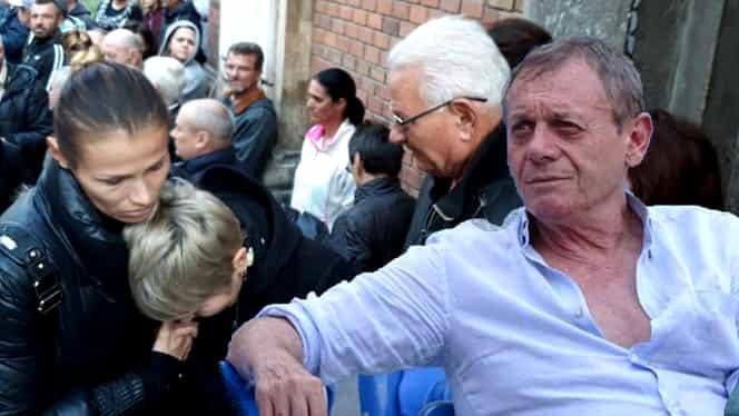 Ambulanța, chemată la biserica unde a fost depus Ilie Balaci. Mamei fostului fotbalist i s-a făcut rău