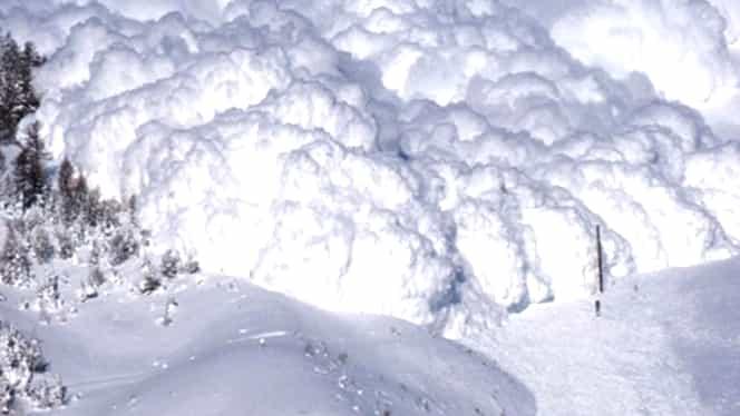 Avalanșă în Munții Călimani. O persoană a murit, iar două sunt rănite! Ce făceau victimele