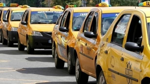 Va fi sau nu interzis Uber? Ce prevede proiectul de lege privind taximetria ilegală