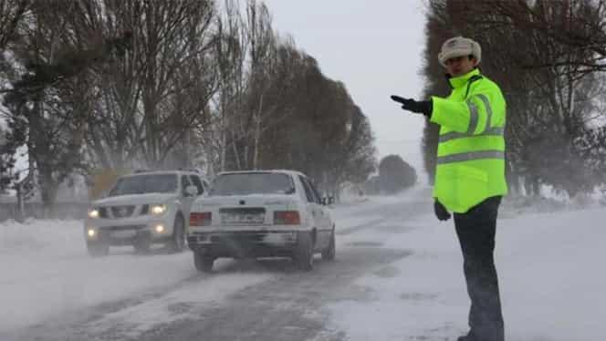Şoferii pot lua amendă 725 de lei cât ai bate din palme! Detaliul-capcană din Codul Rutier pe care îl ignoră
