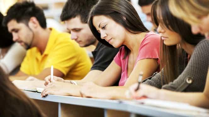 Veste mare pentru elevi și studenți! Pot câștiga și 1.000 de euro pe lună