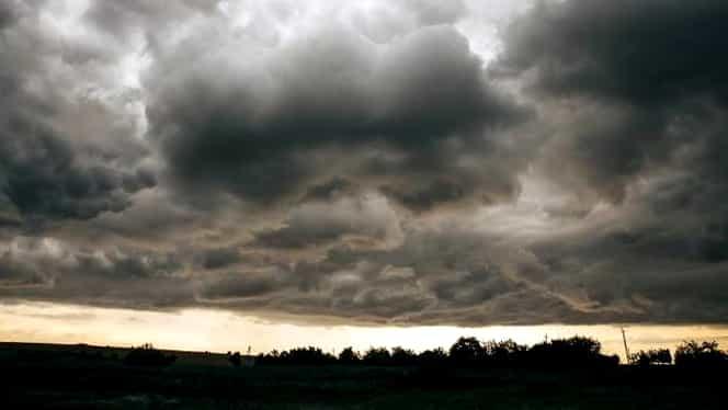 Vin ploi cu vânt puternic şi grindină! Avertisment de ultimă oră al meteorologilor!
