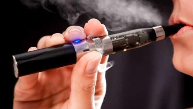 Experții în sănătate din Marea Britanie susțin că țigările electronice sunt mult mai puțin nocive decât fumatul. Care este influența acestor dispozitive asupra plămânilor