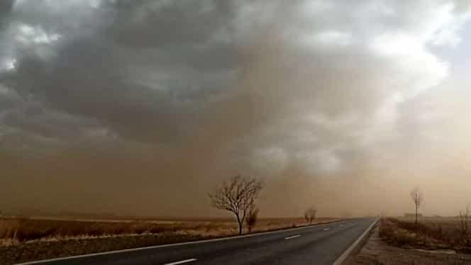 Furtună de nisip în România! Localitățile afectate de acest fenomen extrem de rar FOTO