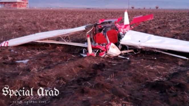 Accident aviatic în județul Arad! O aeronavă de mici dimensiuni s-a prăbușit într-un canal de irigații. Update Sunt doi morți. Primele imagini