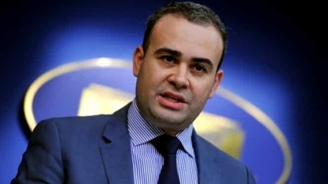 Darius Vâlcov primește salariul în plic, de frica băncilor