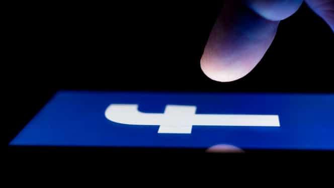 Facebook a recunoscut că strânge permanent informații despre locația utilizatorilor săi, pentru scopuri publicitare și de securitate