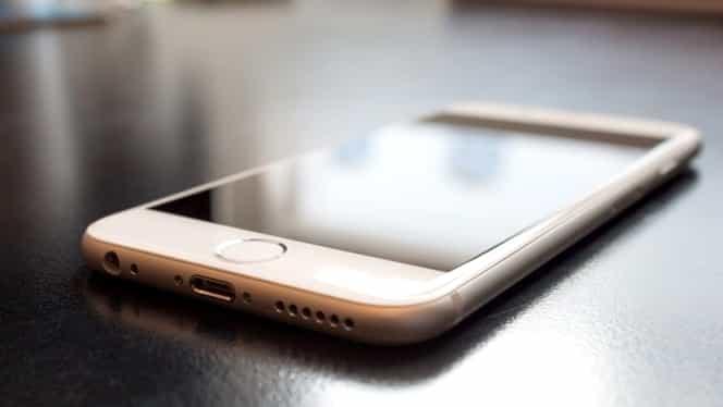 Iphone a fost interzis în China! Apple pierde instant sute de milioane de euro