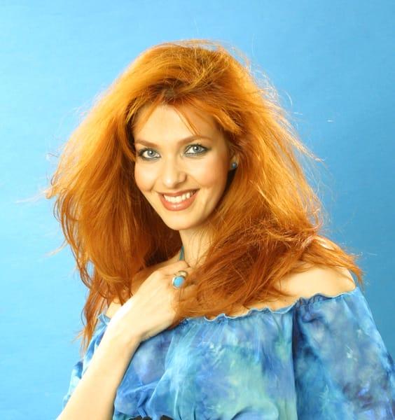 O figură foarte iubită, Bianca Brad a fost foarte apreciată în lumea mondenă. Aceasta a fost actriță și model, dar și câștigătoarea titlului de Miss România în anul 1990. După ce s-a retras din vizorul camerelor de filmat, a încercat să-și facă o familie.