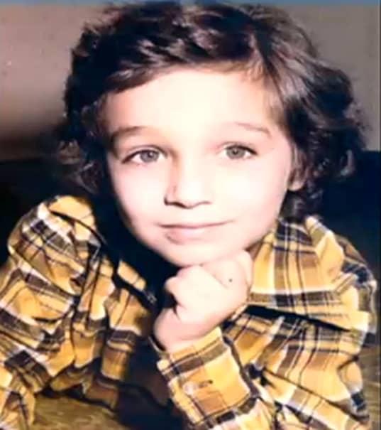 GALERIE FOTO. Mircea Badea, imagini din copilărie. Cum arăta prezentatorul TV