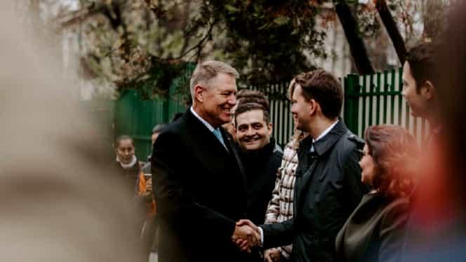 """VIDEO. Klaus Iohannis, către stafful său: """"Faceți ceva, să fim mai veseli!"""""""