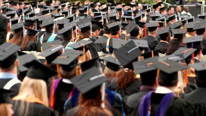 Începe anul universitar 2017-18. Preşedintele Iohannis a fost invitat la festivităţile de la Constanţa