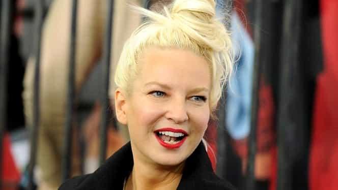 Sia le-a dat peste mână paparazzilor! A publicat singură pozele cu ea goală! Fotografii încercau să le vândă!