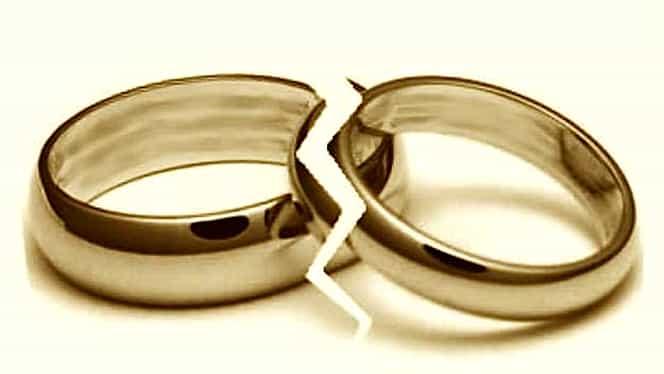 DIVORŢ! Milionarul şi-a părăsit NEVASTA din cauza AMANTULUI FOTBALIST!