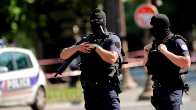 Un nou atentat în Franţa! Un bărbat a intrat cu maşina într-un grup de tineri. Trei răniţi, doi în stare gravă