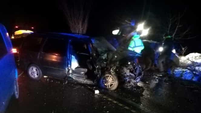 Accident pe DN2, la Bacău. Doi oameni au fost răniți