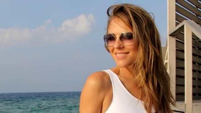 Cum arată Elizabeth Hurley la vârsta de 53 de ani! Imaginile cu ea în costum de baie au făcut furori