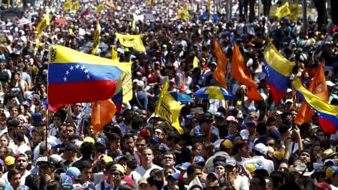 """Incredibil! Demonstraţii de amploare în Venezuela. Se scandează: """"Vrem jambonul nostru de porc!"""""""