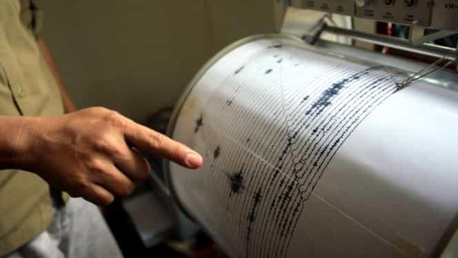 """Ambulanța, după cutremur: """"În prima jumătate de oră, am avut 15 apeluri pentru atacuri de panică sau lipotimii"""""""