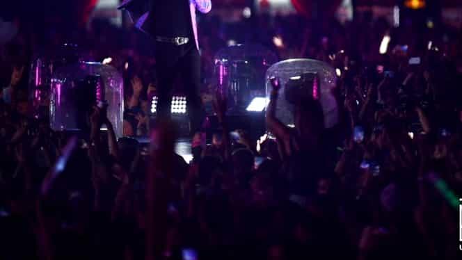 Robbie Williams, spectacol total la UNTOLD 2019. Artistul, în duet cu tatăl său