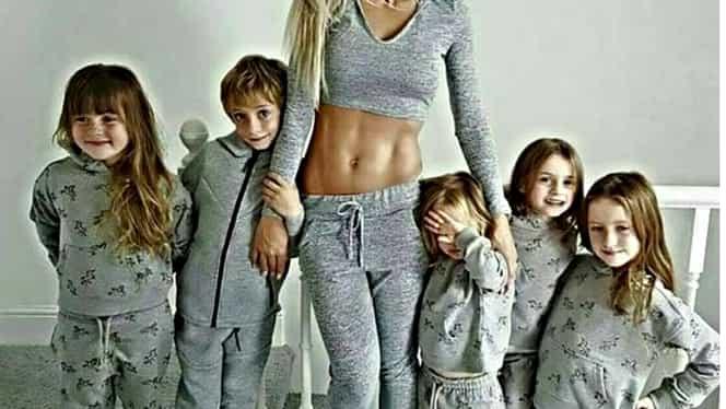A născut 5 copii în şase ani şi arată aşa. Femeile o acuză că pozele ei sunt trucate! GALERIE FOTO
